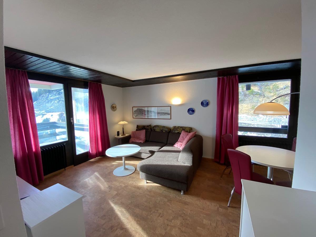 Eglantines 1095, 2-pièces  avec vue magnifique exposé ouest au 9eme étage à Aminona